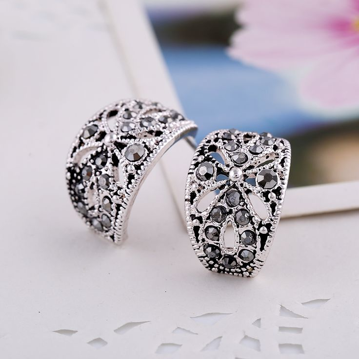 New Arrive Alloy Fashion Women  Earrings  jewelry  Black Crystal Retroe Style Geometric Beautiful Women Earrings