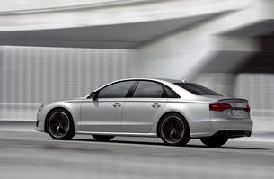 new on www.motosound.de - the all new Audi S8 Plus