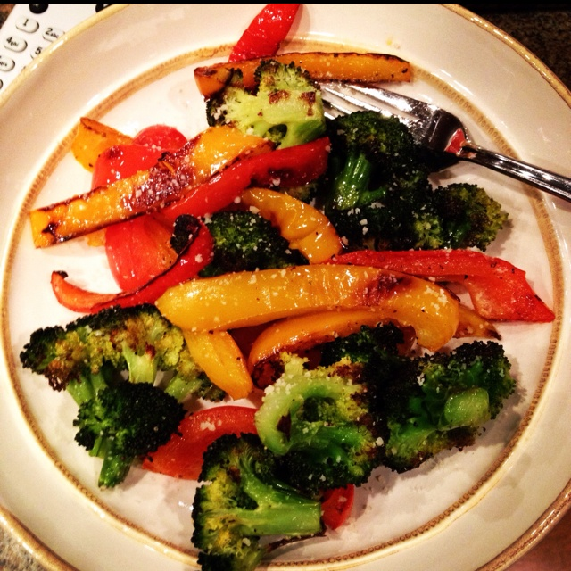 orange and red peppers with broccoli. add some EVOO along with salt and pepper and roast in oven at 400 for about 20 mins. perfect and healthy!