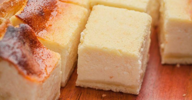 Os bolos tipo cuca são clássicos em qualquer casa de descendentes alemães no Brasil. Este, preparado com queijo quark (que pode ser substituído por ricota cremosa), é fácil de fazer e de gostar. Clique ao lado para ver a receita