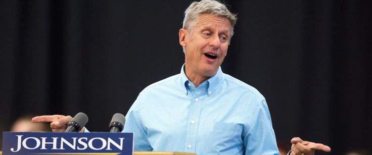 PHOTO: Libertarian presidential candidate Gary Johnson speaks during a campaign rally, Sept. 3, 2016, at Grand View University in Des Moines, Iowa.