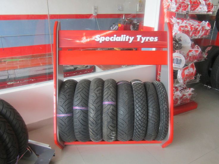 http://www.buzznoida.com/business/automotive-vehicle/tyres-shops-tyre-showrooms/2618.aspx KUMAR TYRES (MRF Tyres & Service Franchise Noida - Complete Tyre & Wheel Services) 9650965800, 0120-4260418