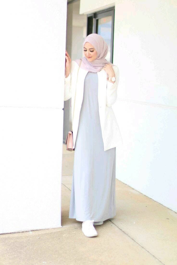 simple outfits : light gray dress,   white cardigan, soft purple hijab,