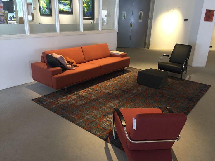 Gelderland bank 7880 Embrace en fauteuil 5770 design Jan des Bouvrie @telintelowonen in Haaksbergen #gelderlandmeubelen #dutchdesign #jandesbouvrie