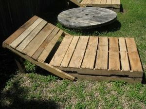 Craft Made Of Wooden Pallet | ... to connect the driveway to the yard...made with wood from a pallet