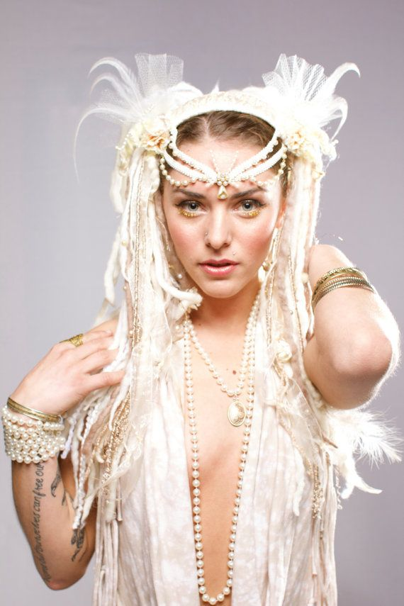 Hey, I found this really awesome Etsy listing at https://www.etsy.com/listing/175948541/white-tribal-feather-headdress