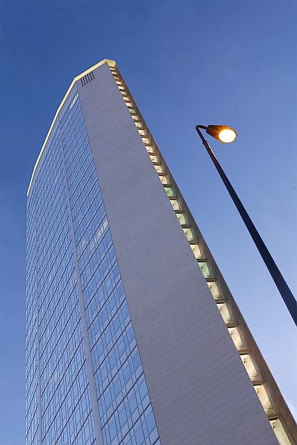 #architettura, #Pirelli, #Illuminazione stradale #Pollice Illuminazione, #Milano, #GuidoAntonelli
