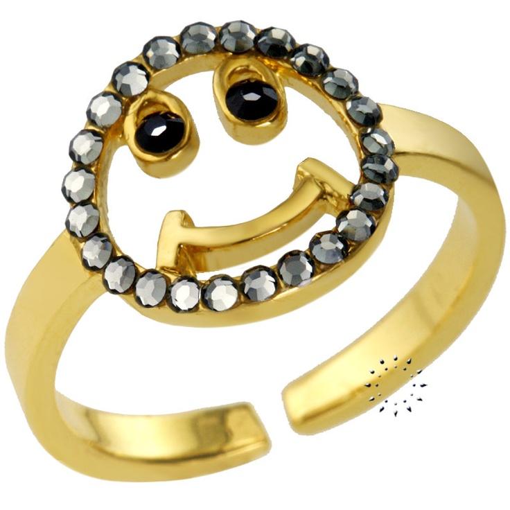 Δαχτυλίδι με Swarovski EKATERINI  45€  http://www.kosmima.gr/product_info.php?products_id=16074