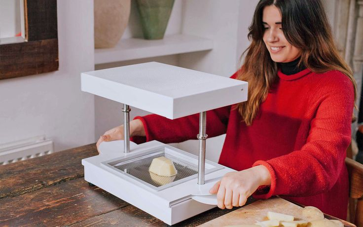 FormBox can create objects in seconds with the help of your vacuum cleaner.