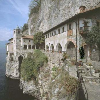 Eremo di Santa Caterina del Sasso Ballaro (Varese)