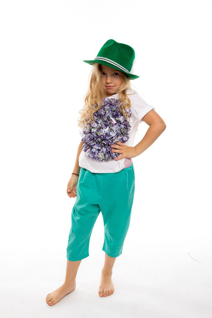 One of the most wanted t-hsirts with flower application in beautiful colored texture. With love from Designers for kids
