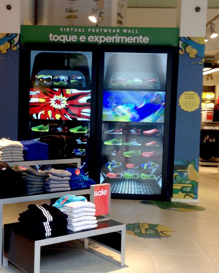 Tela touchscreen da Adidas, Oscar Freire. #SaoPaulo #OscarFreire #Adidas #Sportswear #VisualMerchandising #Interactive #Technology #Screen
