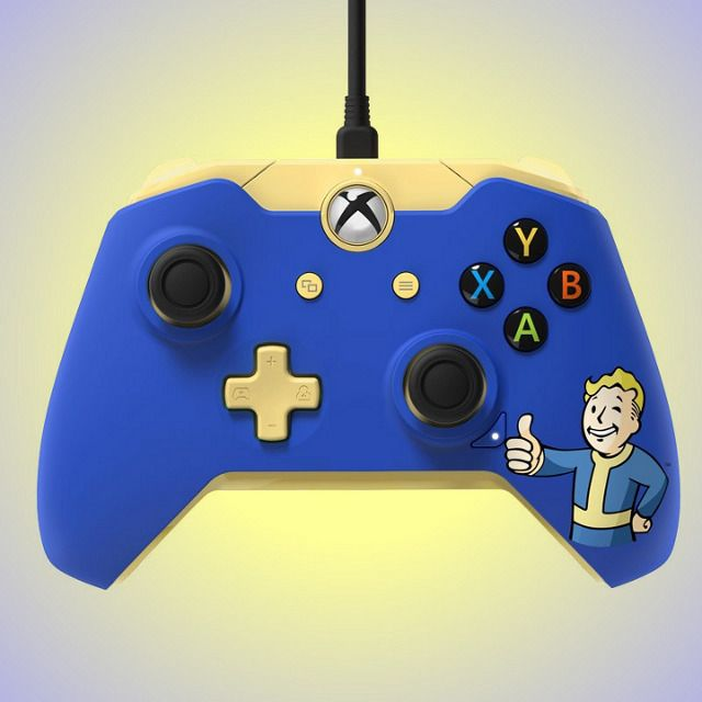 This PC and Xbox One compatible game controller is perfect for fans of the Fallout series! Featuring Vault Boy artwork from Fallout 4.