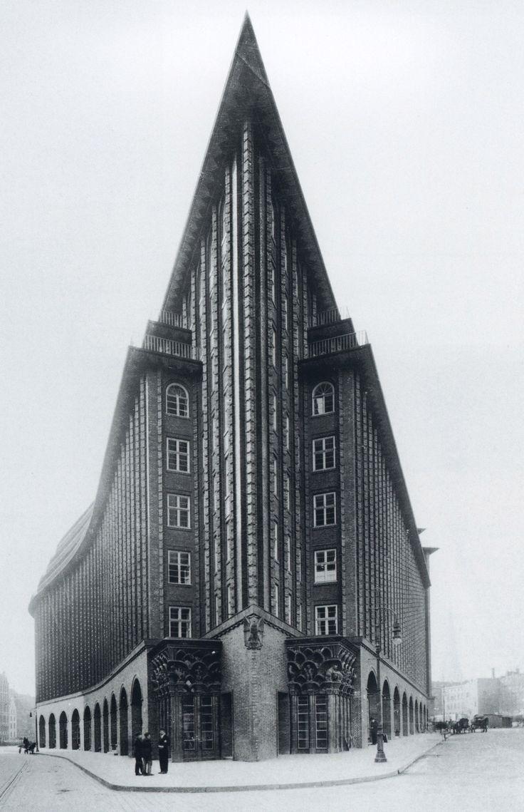 Chilehaus hamburg fritz h ger 1924 expressionist for Architektur chile