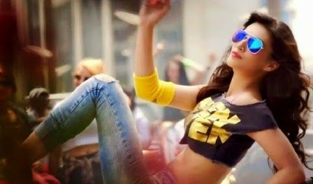 Beautiful and successful Model Kriti Sanon will debut her Bollywood career with this upcoming movie Heropanti opposite Tiger Shroff. She has also worked in Telgu movie 'Nenokkadine'. We have the collection of the Heropanti movie actress Kriti Sanon Hot Photos and wallpapers with high definations. Download free Beautiful Kriti Sanon Sizzling Stills HD Wallpapers, Kriti Sanon photos in Heropanti movie, Kriti Sanon sexy images.