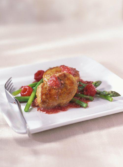 Médaillons de porc aux framboises -  Mélanger les saveurs avec ce délicieux médaillons de porc. Une recette proposée par FraiseBec