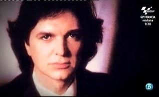 QTTF dedica la tarde a los primeros éxitos de los cantantes solistas http://www.telecinco.es/quetiempotanfeliz/primeros-exitos-cantantes-solistas_2_1606005088.html
