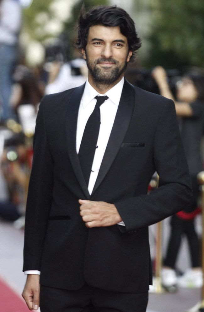 Engin Akyurek is the winner in Most Stylish Men May 2016 - Category Cinema.