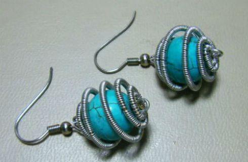 Bijoux fai da te: orecchini wire con pietre dure