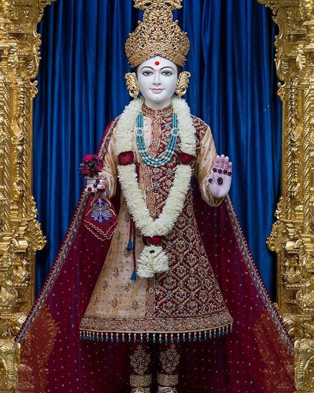 Ghanshyam Maharaj Divya Darshan Dandavat Pranam