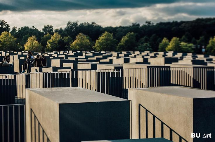 The Holocaustmonument in Berlin is one of the most gigantics monuments of the city. Its appearance will leave you with questions like what does it mean and whats the explanation of the architect. The architects name is Peter Eisenman . His intention with this monument is to give mixed feelings like desolation destruction desperation en isolation. This is based on the tales of jewish people hold prison in concentration camps like Auschwitz and Sobibor in second world war 2. When I first saw…
