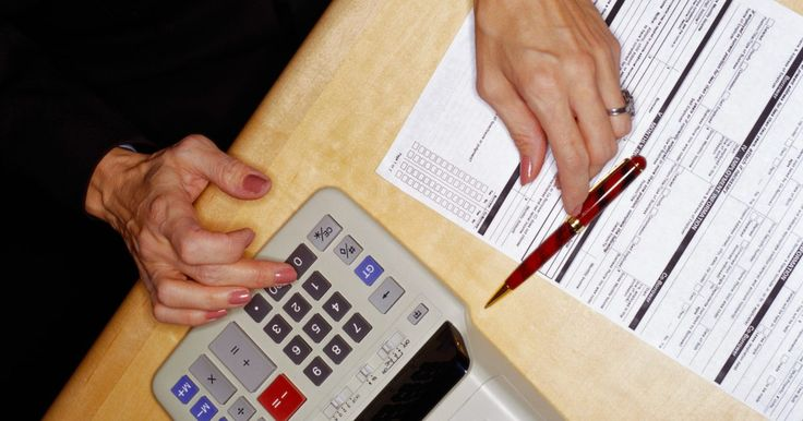 Como escolher entre os certificados de contabilidade: CPA vs. CMA. Escolher uma carreira como contador profissional, em oposição a não receber um certificado, tem os benefícios de um salário maior, grandes oportunidades de trabalho e a chance de ser pago pelos talentos como profissional dos números. Os certificados de contador público (CPA) e perito contador em gestão (CMA) são altamente reconhecidos no campo da ...