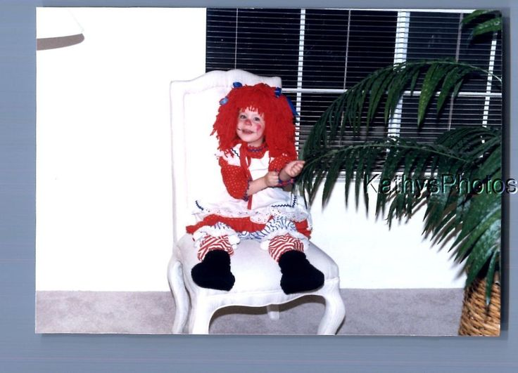 FOUND COLOR PHOTO B+4791 GIRL IN RAGGEDY ANN COSTUME SITTING IN CHAIR