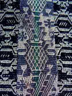 Detalle del poncho mapuche entregado por la colectividad aborigen al General José de San Martín. Foto realizada en el Museo Nacional de Argentina por Vicente López Pérez, argentino residente en Madrid, España