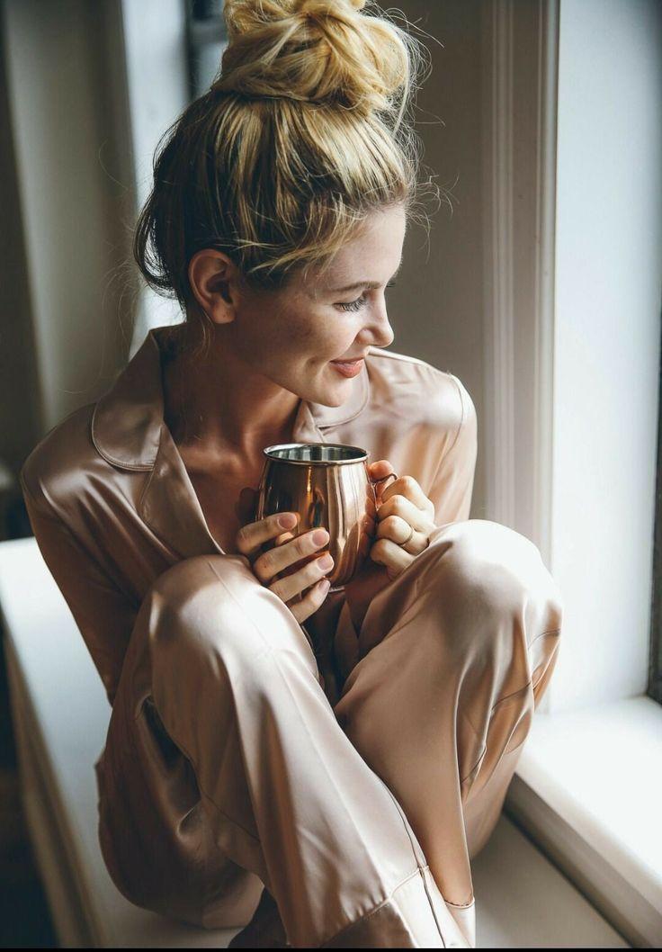 Блондинка и кофе картинки