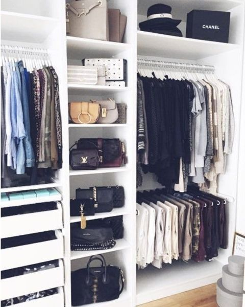Grote Kleding Hoekkast.5 Steps To Cleaning Out Your Closet For Fall Closets Clothing