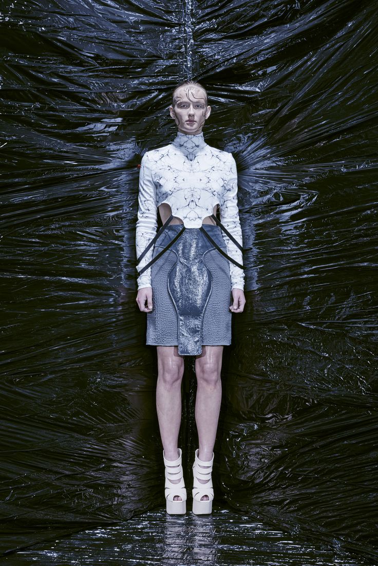 Antidote A/W 2016 - Humanimal  Design by: Christine Andresen  Top in celle printed jersey. Skirt in 3D jersey.