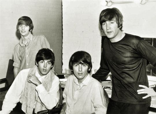 Ringo, Paul, George e John