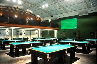 Bar com 16 mesas de sinuca dá 1h de jogo grátis todos os dias    http://guia.folha.com.br/bares/1062455-bar-com-16-mesas-de-sinuca-da-1h-de-jogo-gratis-todos-os-dias.shtml