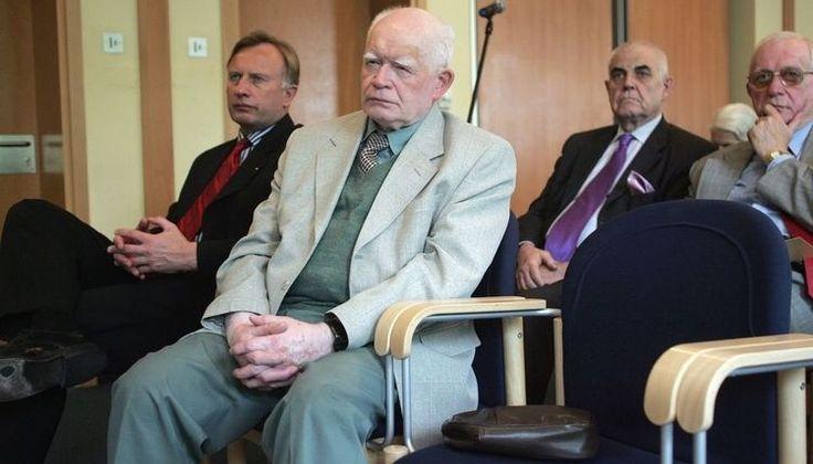 Profesor Strzembosz komentuje zachowanie Ziobry dot. TK - Polityka - rp.pl
