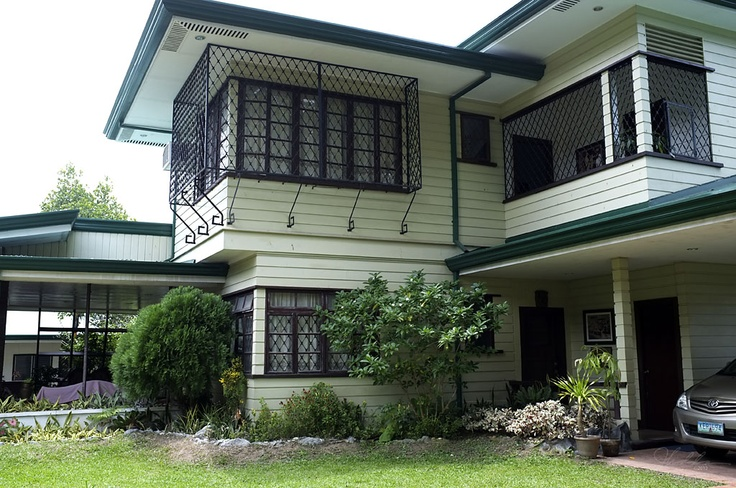 MACARAEG-MACAPAGAL ANCESTRAL HOUSE, Iligan City. It was considered as the first house in the Philippines where two of the country's Presidents lived. Diosdado Macapagal, the 9th President of the Philippines and Gloria Macapagal-Arroyo, the 14th President of the Philippines, used to live in this, then, rest house as a Vice-President Father and Daughter. The Macapagal-Macaraeg Ancestral House has been declared a heritage house by the National Historical Institute last August 14, 2002.
