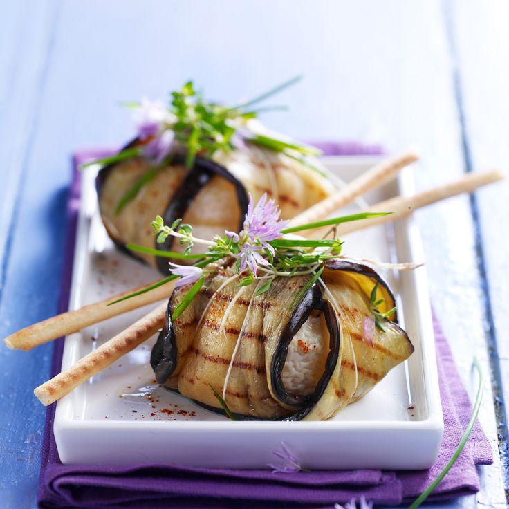 Découvrez la recette aubergine farcie au chèvre sur cuisineactuelle.fr.