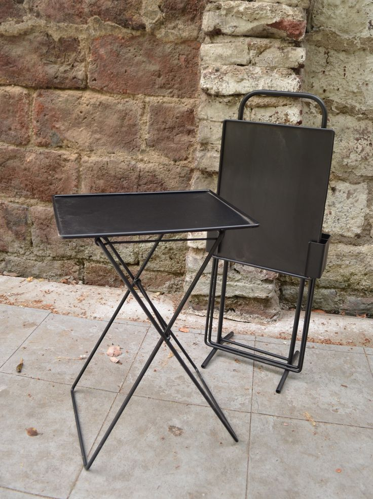 Mesas plegables metálicas  www.lasvial.cl