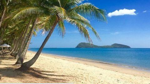 Palm Cove near Cairns, Queensland, Australia.