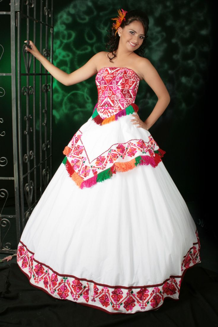 Huasteca san luis potosi embroidered white with red for Mexican style wedding dress