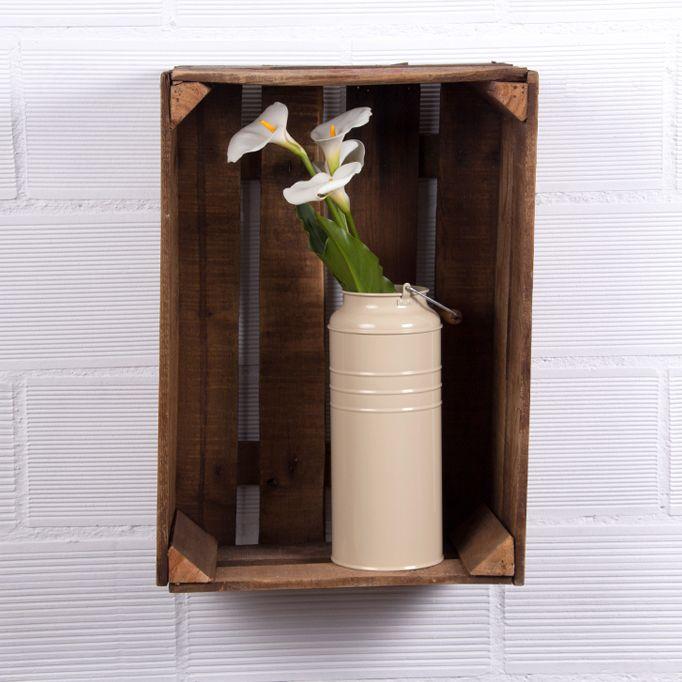 En Ecodecomobiliario.com encuentas muebles hechos con cajas de fruta conoce nuestras cajas barnizadas, estanterías, mesas y revisteros hechos con cajas de fruta