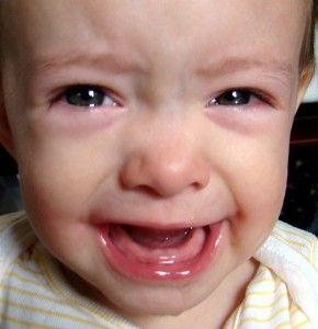 Aceite Esencial de Clavo - El aceite esencial de clavo es ideal para tratar la dolorosa salida de dientes (dentición) en bebes y niños. Tiene efectos adormecedores y desinflamantes...#Bo #Spa #Oils #aceites #esenciales #medicina #alterna #natural #herbolaria #salud #dientes #bebés