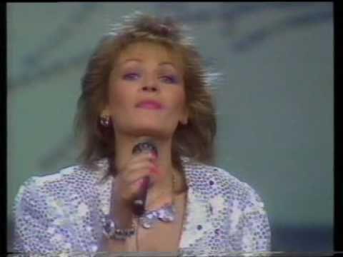 """Eurovision 1986 - Germany - Ingrid Peters """"Über die Brücke geh'n"""" - YouTube"""