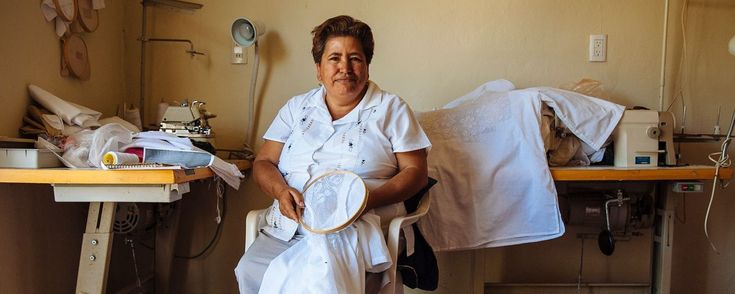 Aguascalientes, cuna del deshilado . El deshilado, una fina artesanía laboriosamente trabajada por las mujeres de Aguascalientes, ha pasado a formar parte del Patrimonio Cultural del estado.