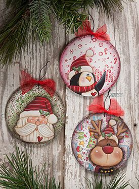 Round Ornament from the book Laurie Speltz's Christmas Trimmings by Laurie Speltz. Book and wood ornaments available at www.ArtistsClub.com