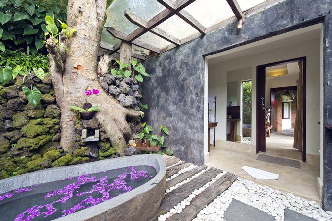 Dewi Drupadi Suite Bathroom