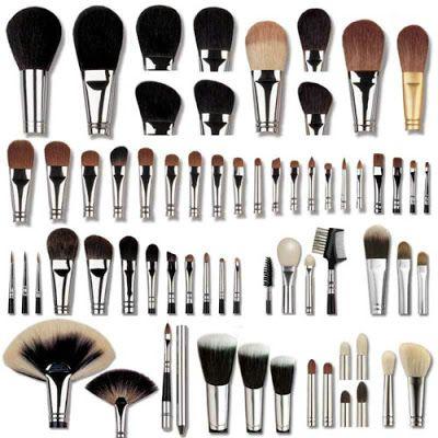 Tipos de brochas, como usar la brochas, como sellar mi maquillaje, que tipo de brochas uso, para que sirve cada brocha de maquillaje,brochas para labios, brochas para base de maquillaje, brochas para los ojos,como me pinto.