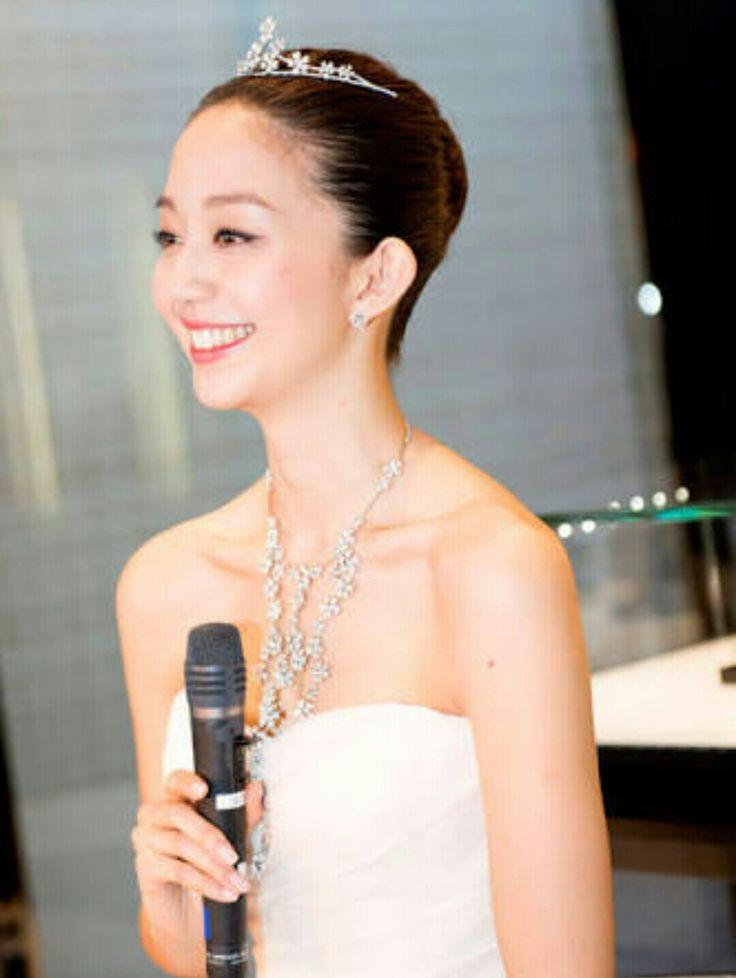 白いドレスと松島花