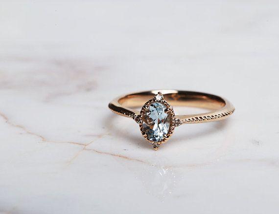Vintage Aquamarin Verlobungsring 1,3 ct ovaler Aquamarin, weißer Diamant, roségoldgelbgoldene…