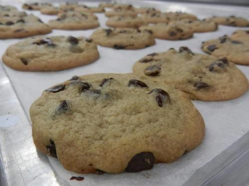 Eu já tinha descoberto uma receita de cookie e ela estava mais do que aprovada. Aí encontrei essa do Buddy e a outra inevitavelmente em segundo lugar. Não