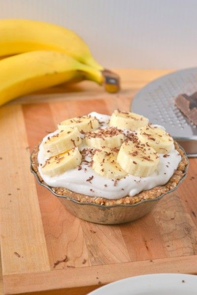 No Bake, Vegan Banana Coconut Cream Mini Pies